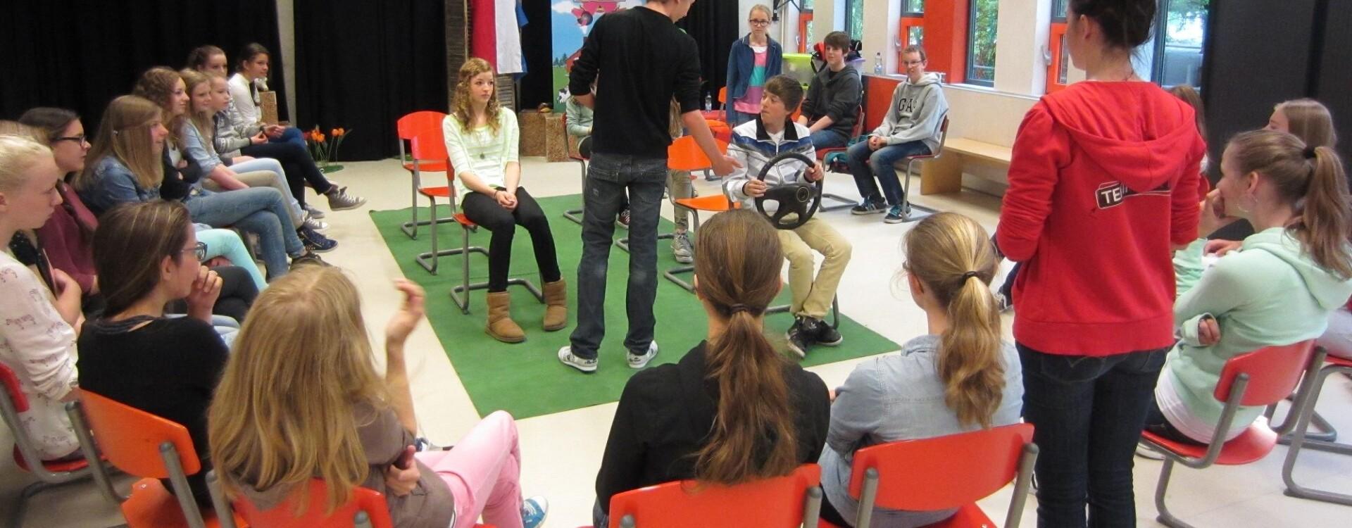 Leerlingen nemen deel aan verkeerseducatieles Team Alert
