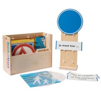 Verkeersbox met spelmaterialen