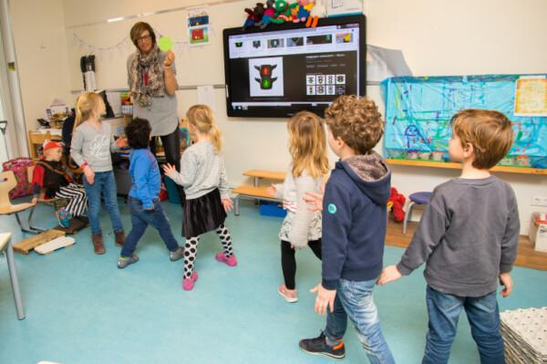 foto kleuters in een klaslokaal